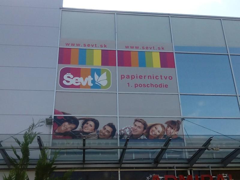 reklama na budovu