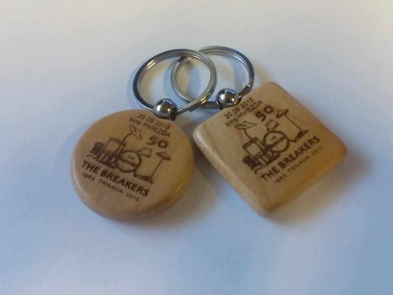 potlač drevenej klúčenky